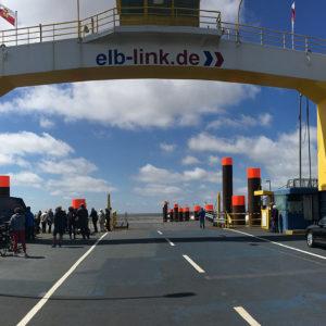 Čekání na trajekt do Cuxhavenu