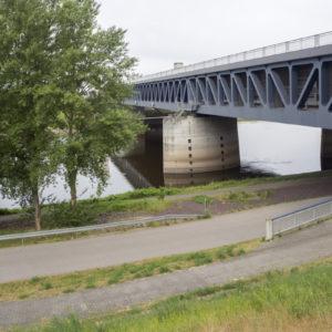 Mimoúrovňová vodní křižovatka u Magdeburgu
