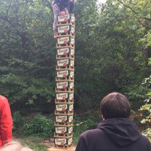 Věž z pivních bas